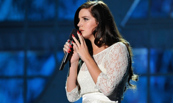 MOUNTAIN VIEW, CA - DECEMBER 12: Lana Del Rey performs at the 2014 Breakthrough Prizes Awarded in Fundamental Physics and Life Sciences Ceremony at NASA Ames Research Center on December 12, 2013 in Mountain View, California. (Photo by Steve Jennings/Getty Images for MerchantCantos)